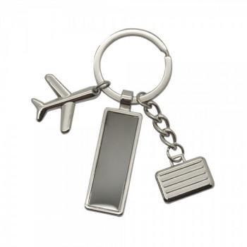 מחזיק מפתחות עשוי מתכת עם שני תליונים ולוחית מתכת לחריטה במארז מתנה, TSK-1110