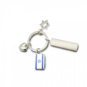 מחזיק מפתחות עשוי מתכת עם שלושה תליונים ולוחית מתכת לחריטה במארז מתנה, TSK-1151