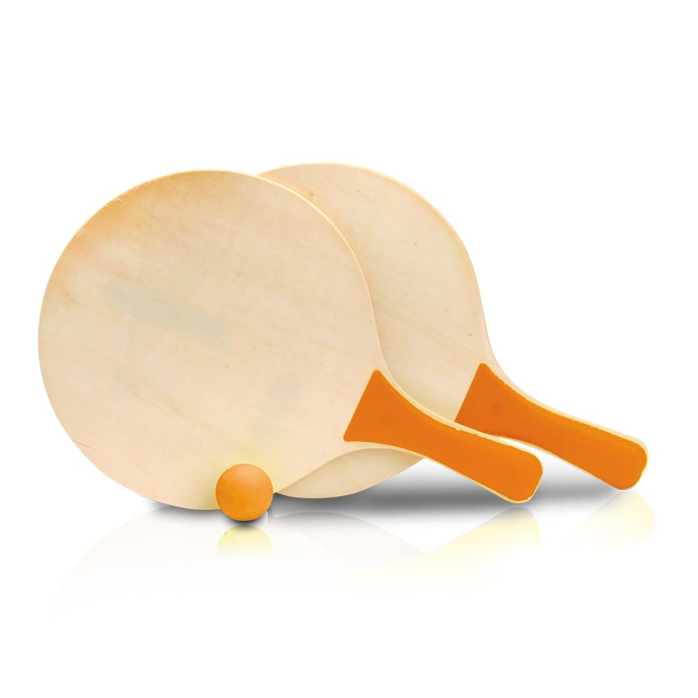 זוג מטקות עשויות עץ עם ידית צבעונית וכדור תואם
