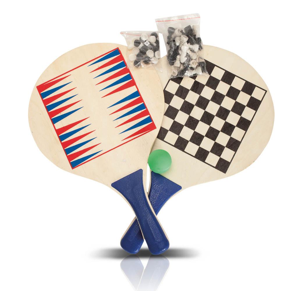 זוג מטקות עם משחק שש-בש ושחמט בתיק נשיאה